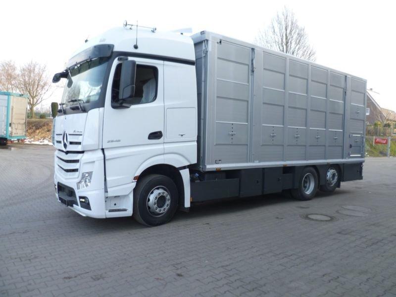 auto ciężarowe do przewozu zwierząt z Niemiec