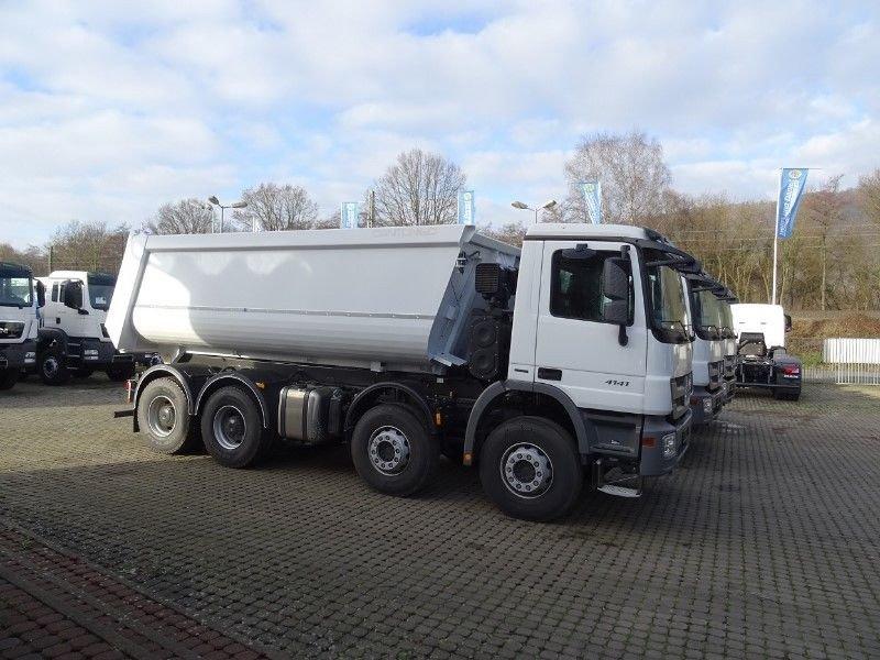 auto ciężarowe wywrotka z Niemiec