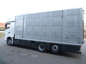 auto ciężarowe do przewozu koni z Niemiec
