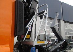 Ciężarówki Hakowiec z HDS sprzedaż leasing kredyt używanych poleasingowych samochodów ciężarowych hakowiec z HDS