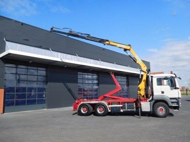 Samochody ciężarowe z Niemiec Hakowiec z HDS sprzedaż leasing kredyt używanych poleasingowych samochodów ciężarowych z Niemiec hakowiec z HDS